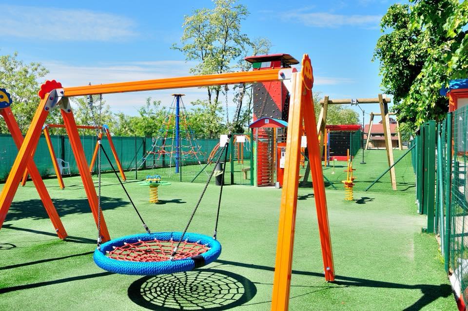 Area bambini colorata e divertente, per tutte le età