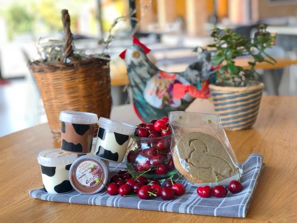 Yogurt, ciliege e biscotti, la merenda dei campioni