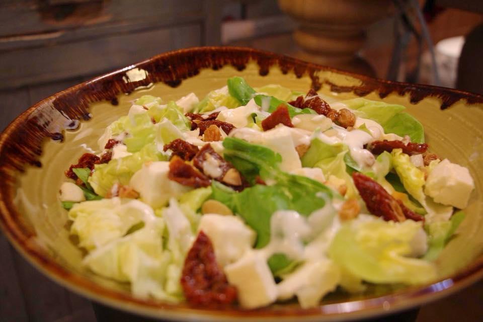 I nostri piatti colorati e preparati con gusto