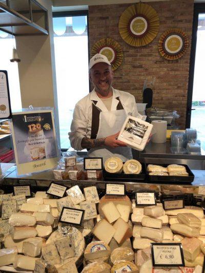 Alfonso consiglia i formaggi migliori nella Bottega